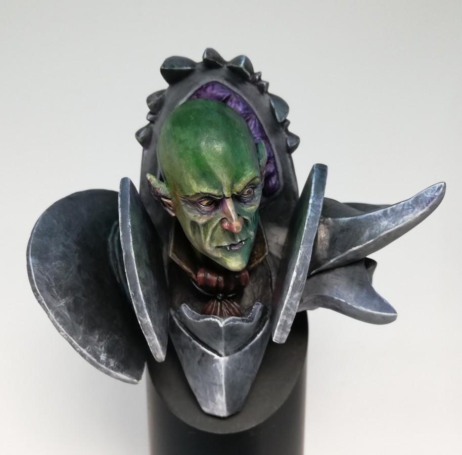 Vampire bust front