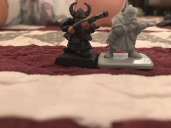 GW Dwarf Thunderer vs E4 Crossbow