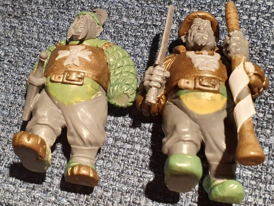 Ogre Tribesmen with paired weapons
