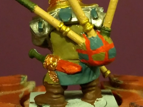 Mantic Dwarf with Bagpipes back