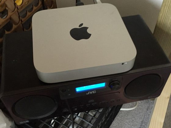 speaker and mac going in