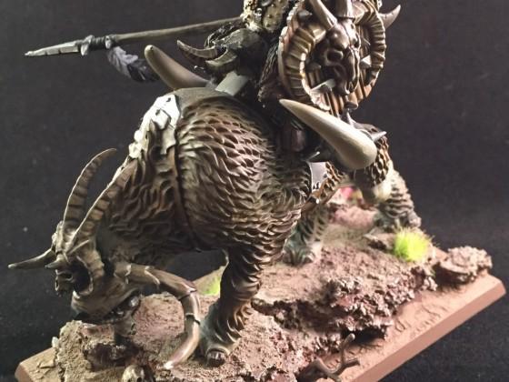 Beast lord on Razortusk Chariot