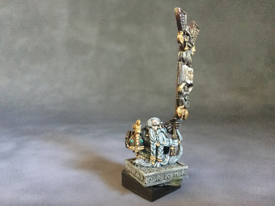 Dwarf Thane Battle standard bearer