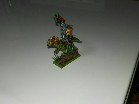 Saurian warlord on raptor with 2handed weapon