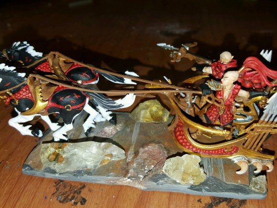 DE red and gold hunting chariot