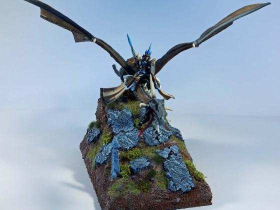 Highborn Elfves Lord withDragon